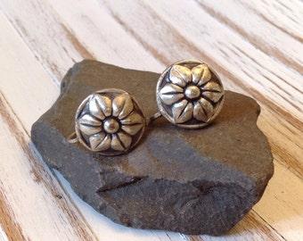 Vintage Sterling Silver Flower Earrings // Screw Back Flower Earrings // Floral Motif Jewelry // Art Nouveau Earrings