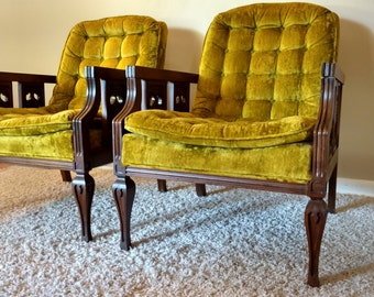 Mid Century Hollywood Regency Pair of Green Tufted Lounge / Side Chairs