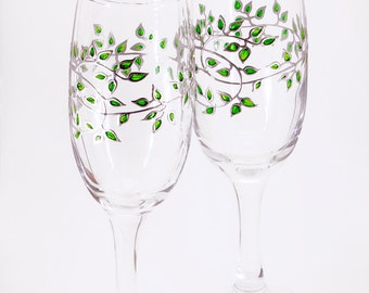 Floral Wedding Glasses, Hand Painted Wedding Glasses, Painted Wedding Flutes, Unique Bride Groom Glasses, Bridesmaid Glasses, Green Wedding