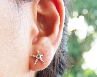 A pair of Starfish Stud Earrings, Sea beach Chic Summer Jewelry, 925 Sterling Silver, Starfish Jewelry - SB79