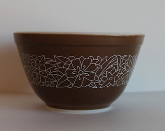 Vintage Pyrex Woodland Chocolate Brown Pattern 401 Bowl
