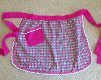 Half Apron with Pocket, Floral, One Size, Fuchsia