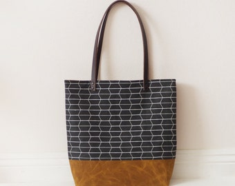 Honeycomb waxed canvas tote bag with leather handle