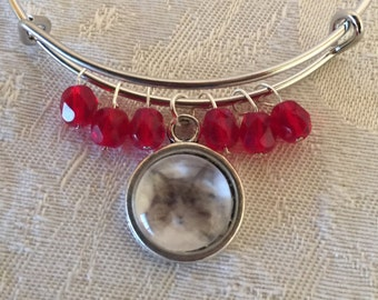 Glass Cat And Red Crystal Adjustable Silver Tone Wire Bangle Bracelet
