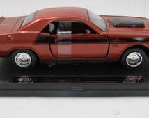Die Cast 1970 Dodge Challenger T/A 1/32 Model-New