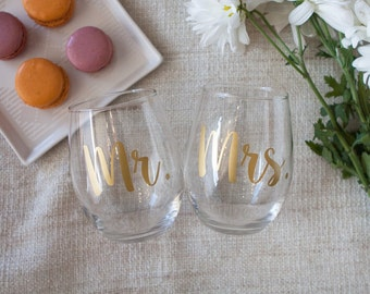Mr and Mrs. Wine Glasses, Option to Personalize, Engagement Gift for couple