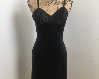 Amazing Gorgeous 1950's  Adjustable Straps Black Glam Lingerie Slip Size Small