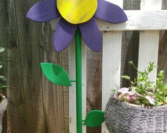 Flower Power Yard Art from Yard Funk