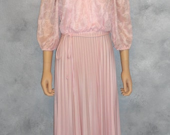 True Vintage 70s 70's 1970 's Pink Small S 8 6 Women's Dress with Lace Top & Long Full Pleated Skirt