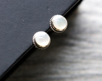 Mini Round Studs, 925 Sterling Silver, MOP, Mother of Pearl Stud Earrings