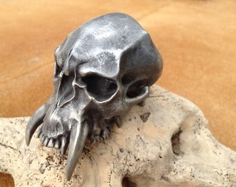 Barbaric Skull,Skull Sculpture,Death's-head,Small Skull,Props Movie,Miniature Skull,Skull Jewelry,Gothic Decor Skulls,Props,Skull Sculpture