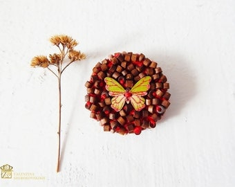 Wooden brooch / Embroidered brooch / Brooch Bead / Brooch made of wooden beads / Brooch Coat / Handmade / knitted brooch / Christmas present