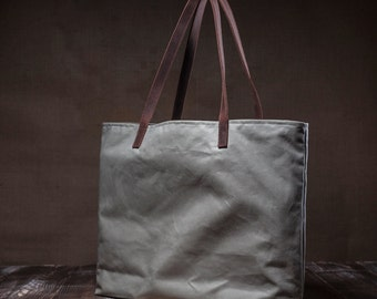 Waxed totebag - waxed canvas bag - shoulder bag - everyday bag - simple bag - waterproof leather