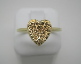 Antique 14 carat gold heart ring