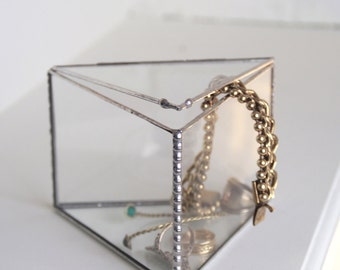 Glass jewelry box. Translucent. Tin. Triangular shape. Ring Bearer Box. Geometric. Facets. Stained glass. Christmas gift