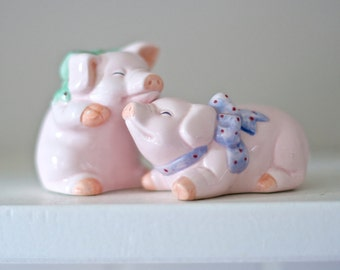 Pigs in Love Salt and Pepper Shakers