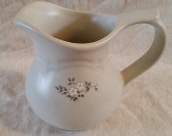 pfaltzgraff heirloom creamer/creamer/pfaltzgraff/ceramic creamer/vintage pfaltzgraff
