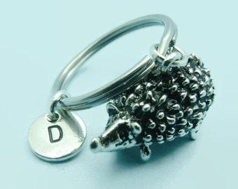 Hedgehog charm initial keyring / keychain, hedgehog keyring accessory, personalised keychain, initial gift for her/him, hedgehog gift