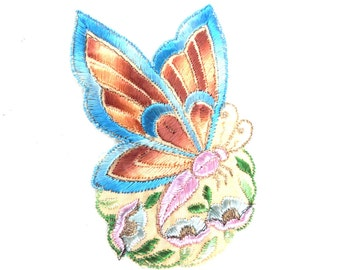 Applique, butterfly applique, 1930s vintage embroidered applique. Vintage floral patch, sewing supply.  #643GA7K1D