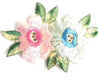 Flower Patch, Applique, Flower applique, 1930s vintage embroidered applique. Vintage floral patch, sewing supply. #646GD2KB