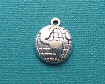 10 Global Map Charms Silver - CS2535