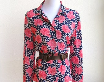Large 1970s Cute Rose and Gypsophila Print Blouse in Pink and Midnight Blue
