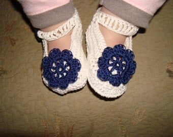 Baby Hand Crocheted Mary Jane Shoes with Vintage Buttons and Hand Crocheted Irish Rose Flower!
