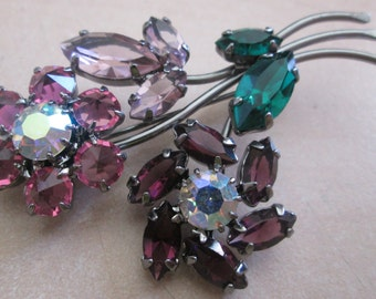 Beautiful And Eye Catching Coloured Glass Ladies Flower Brooch