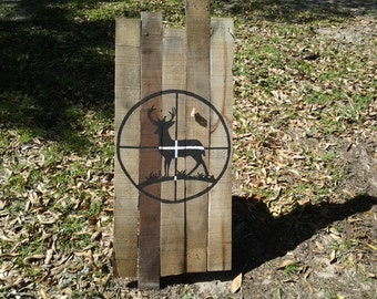 Deer in crosshairs pallet art