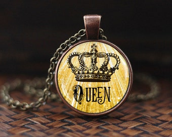 Queen crown necklace, queen crown pendant , Tiara crown jewelry, vintage crown king's crown necklace for women, princess jewelry