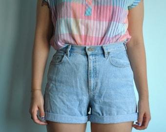 Vintage size L 10 Liz Claiborne jean shorts