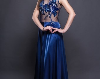 Blue evening dress with handmade embroidery. Prom dress. School ball gown.