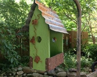 GRANNY SMITH APPLE Green Lunchbox Feeder.....Every Bird's  Favorite Feeder