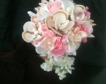 Seashell bridal bouquet