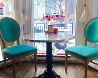 "Table ""The Grande Parisienne"""