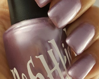 "Unique ""Luxurious"" Pearlescent Lilac (Lavender) Nail Polish Full Size 15ml Bottle"