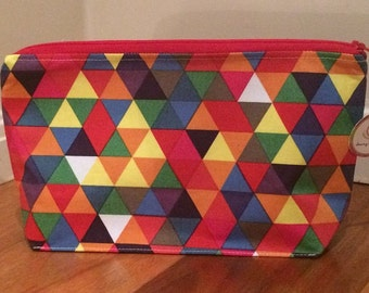 Bright triangles toiletries bag