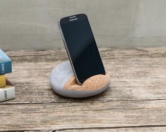 Smartphone pebble - Designer smartphone holder