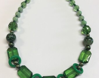 Green and Silver Beaded Necklace Lobster Claw Clasp