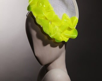 fascinator white straw asymmetric CAP and decorations fluorine