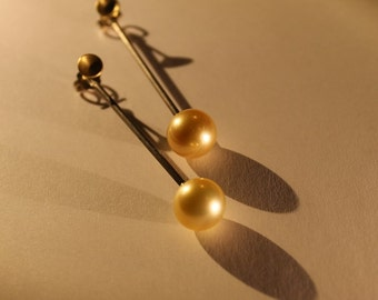 750 yellow gold, earrings, silver, blackened Golden South Sea pearls,