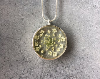 White Queen Anne's Lace in a Silver Open Back Bezel Resin Necklace, Resin Jewelry, Pressed Flower Jewelry, Resin Pendant