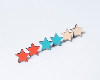 Earring star made of wood