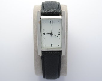 Rectangular watch with leather strap