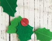 Holly Garland // Christmas // Holidays