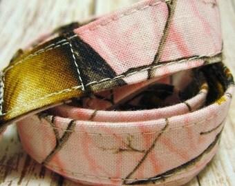 Lanyard Badge Holder with Breakaway Clip Pink Camo