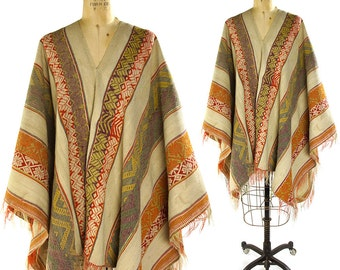 40s Handwoven Poncho / Vintage 1940s South American Finely Woven Wool with Fringe / Pull Over Open Sides / Ethnic Tribal Hippie Boho Rustic
