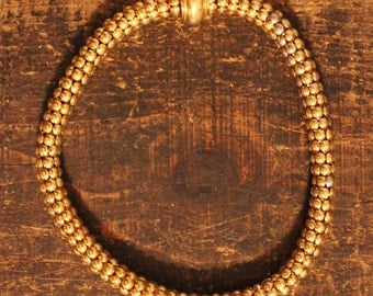 UNIQUE round metal necklace - vintage gold