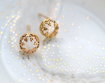 14K There is no queen without a crown- post gold earrings, solid gold studs