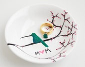 Hummingbird Ring Dish - Personalized Gift For Mom, Hummingbirds, Mothers Day, Spring Flowers Ring Dish, Jewelry Dish, Jewelry Bowl